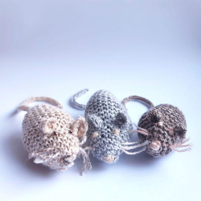 The Three Little Mice Knitting Pattern