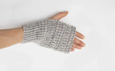Simple Textured Hand Warmers Knitting Pattern